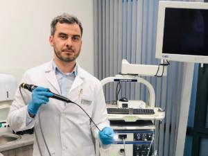 dr-Hubert-Łopiński-badanie-fiberoskopowe